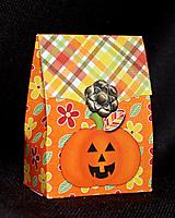 LC_pumpkin_treatbag.jpg