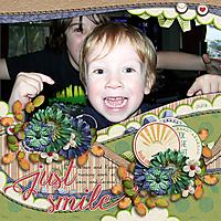 Just-Smile--running-amok-kkTheBrightSide-akizoCurvedAddict-Recycled02-GS.jpg