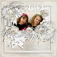 Izzy-n-Devynn-2012-Christmas-Concert.jpg