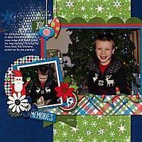 Opening_Christmas_Gift_2014.jpg
