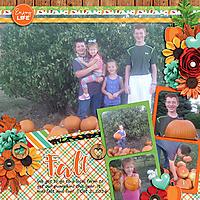 10-PickingPumpkins2016_edit.jpg
