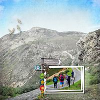 17_08_09_Hill-Walk_600x600.jpg