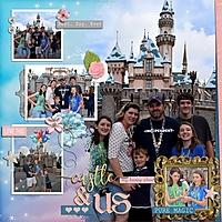 Disney2016_Castle_Us_600x600_.jpg
