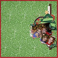Under_the_Christmas_Tree.jpg