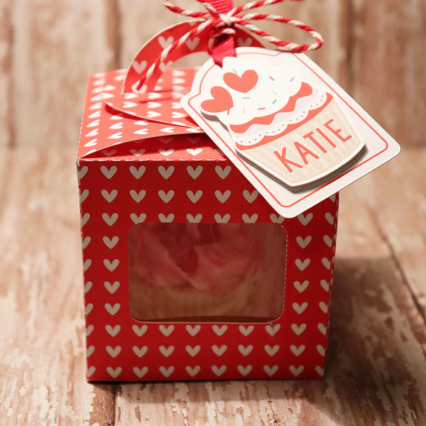 Cupcake treat box with tag