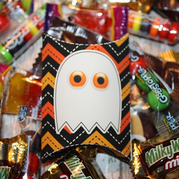 Spooktacular Halloween Treat pillow boxes