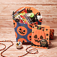 halloween_treat_box_with_tag.jpg
